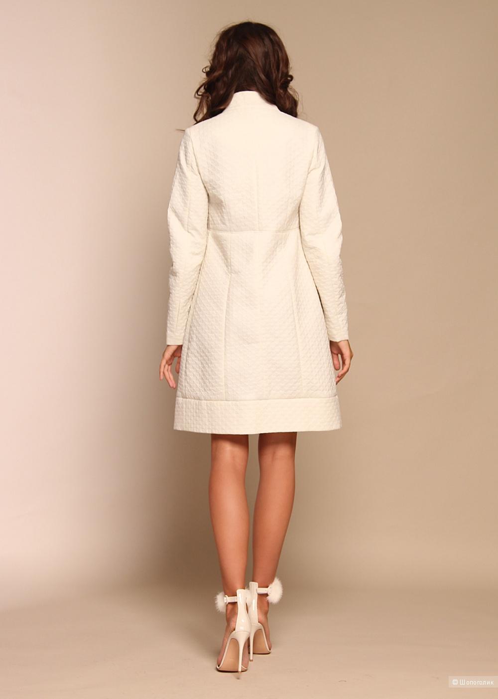Демисезонное пальто Naumi, р-р 44