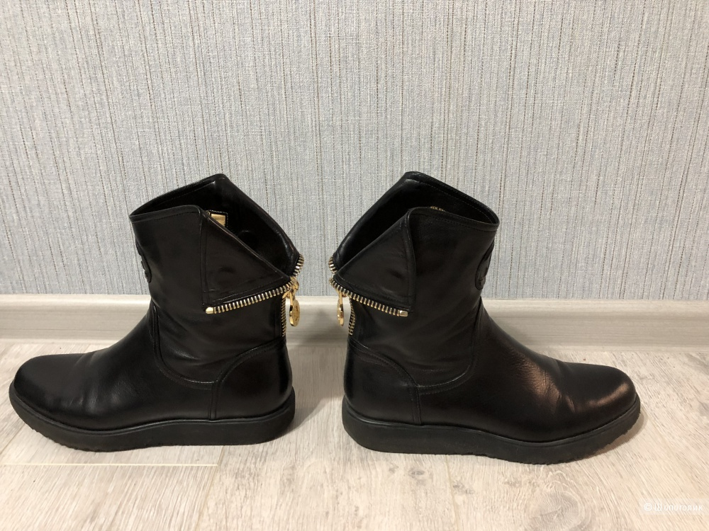Ботинки Loriblu размер 38