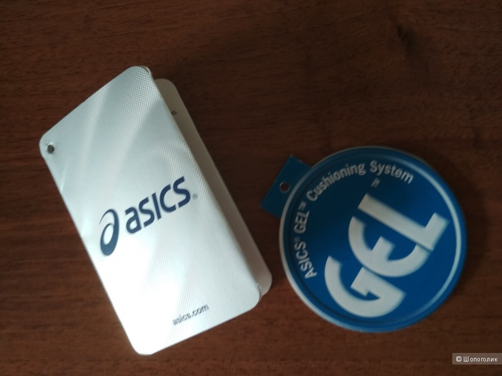 Кроссовки  Asics Gel Gamepoint , размер  фр 40 на наш 39