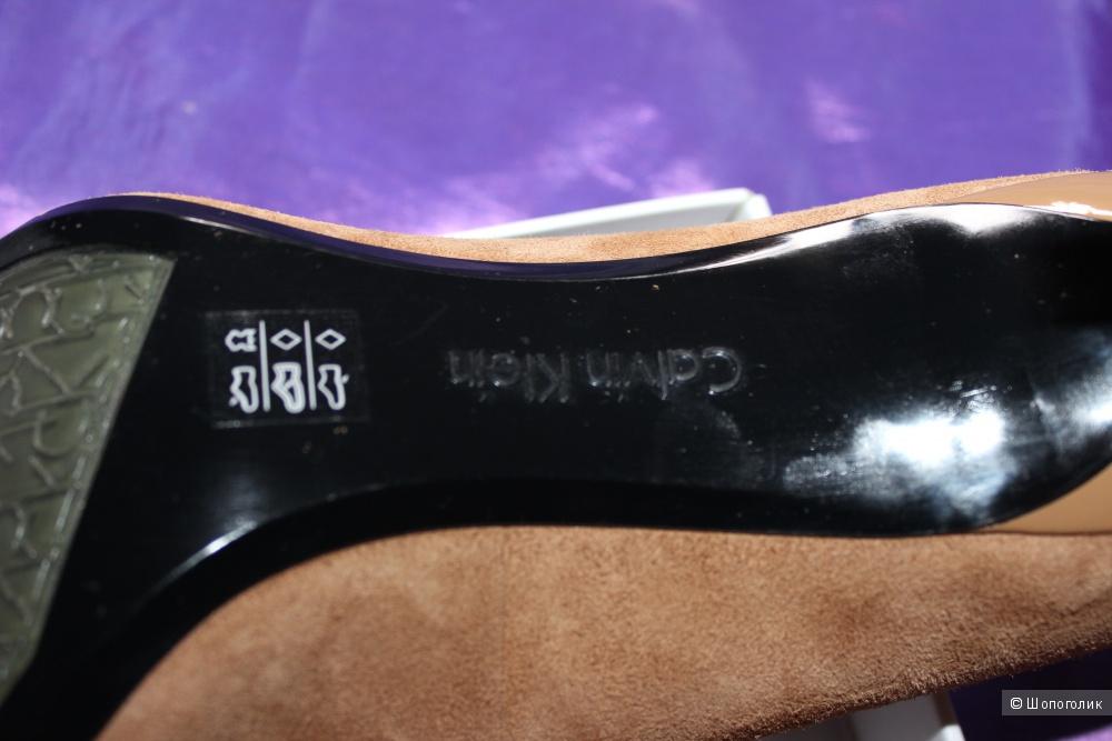 Туфли замшевые CALVIN KLEIN, US9 на 39 размер