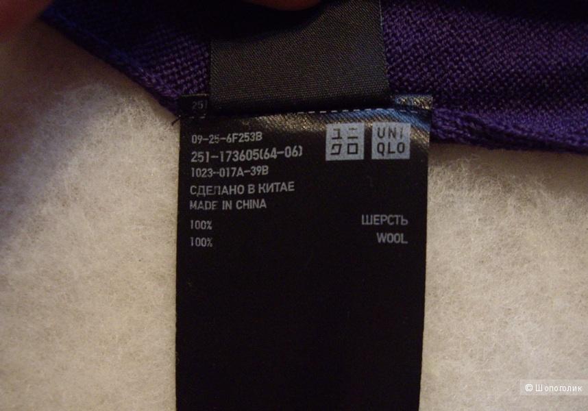 Свитер Uniqlo, 100 % шерсть, размер S.