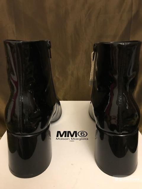 Полусапожки MM6 MAISON MARGIELA 39 (Европейский Размер)  Черный(лак)
