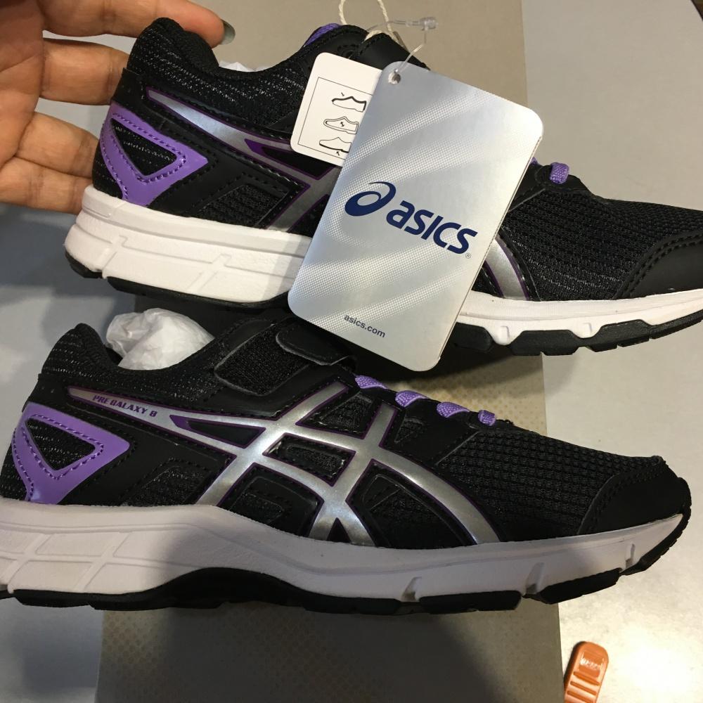 Детские кроссы на резинках ASICS, размер 33 EUR