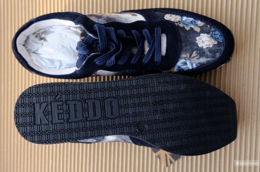 Кроссовки Keddo, размер 39