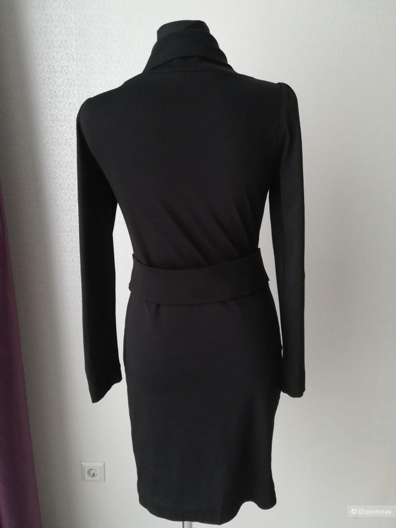 Платье love moschino размер 42-44