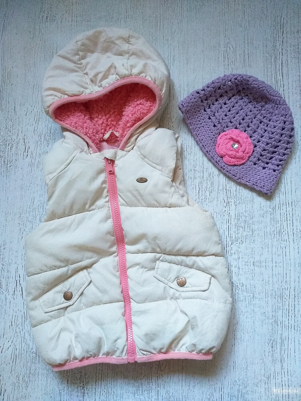 Жилетка Zara и шапка No name, на рост 92-98-104 см