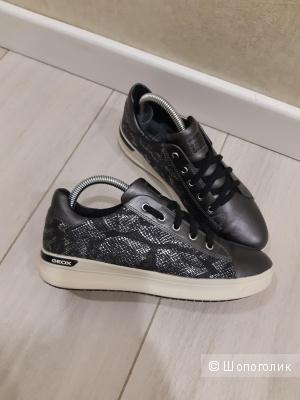 Кожаные кроссовки Geox, 38 р