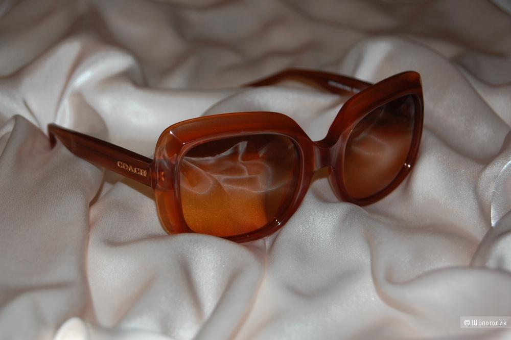 Солнечные очки Сoach