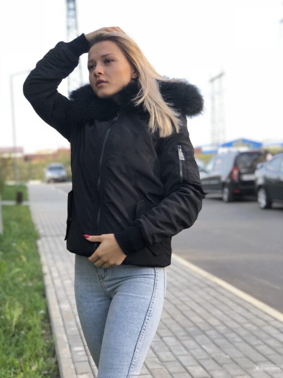 Женская куртка Burberry. Размер M