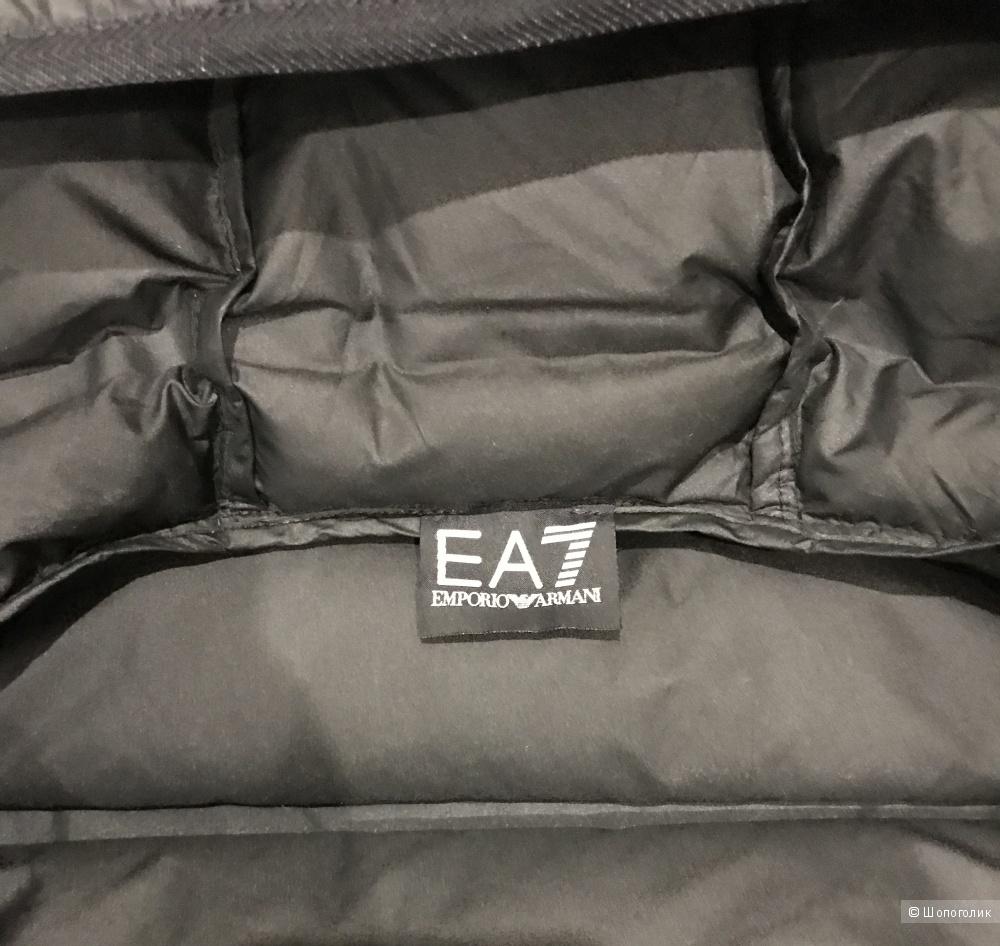 Пуховик Ea7 Emporio Armani, размер S