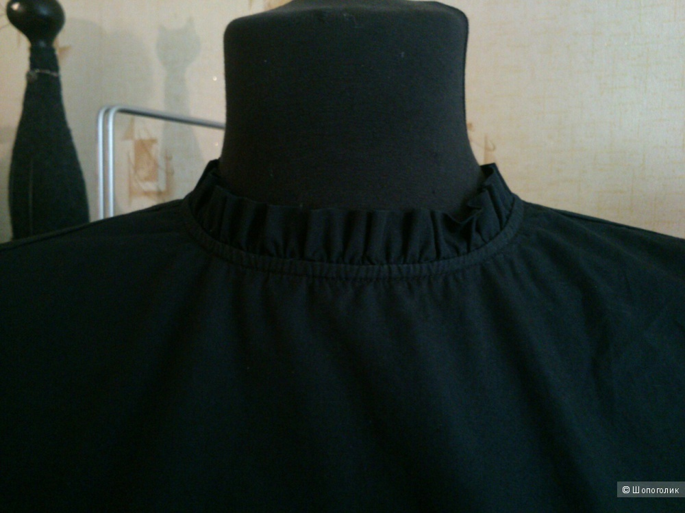 Блузка H&M. Размер: EU40, US10 (на 46-48 размер).