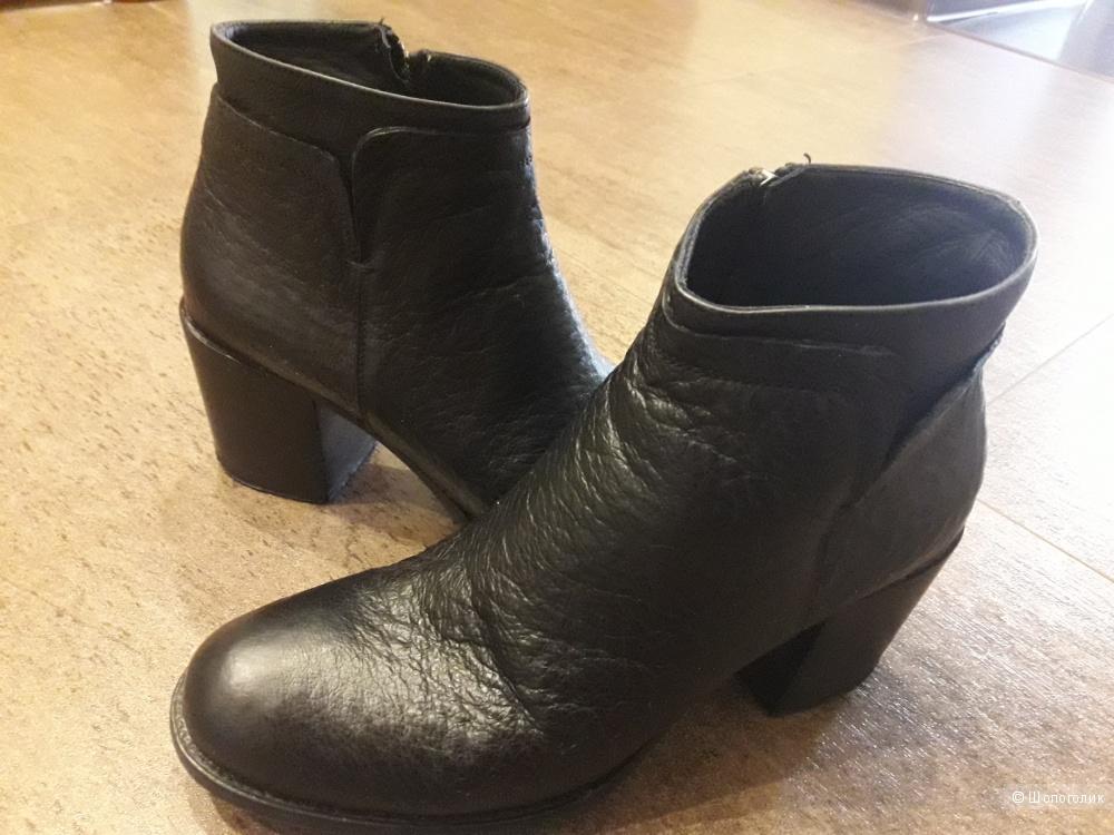 Ботинки Alexander Hotto  размер 39