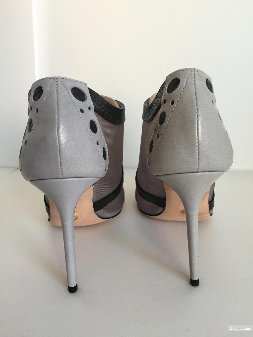 Ботиночки  Viktor&Rolf 37.5 размер