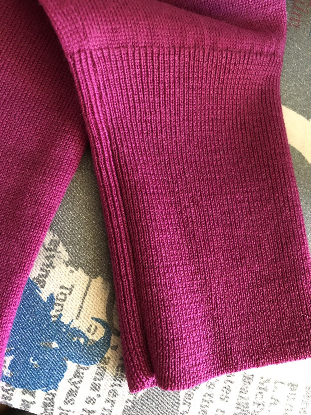 Женский свитер Uniqlo, размер rus 42-44