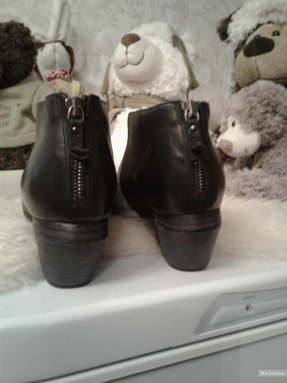 Ботинки VIC MATIE размер 40