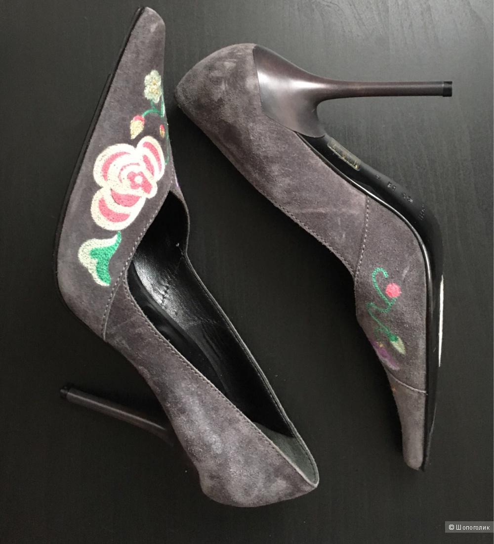 Туфли Casadei, 40 размер