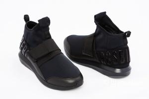 Мужские кроссовки Bikkembergs, размер в наличии 42