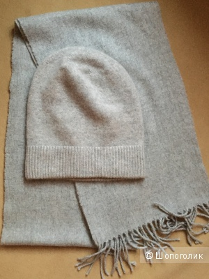 Комплект  шапка и шарф  Uniqlo