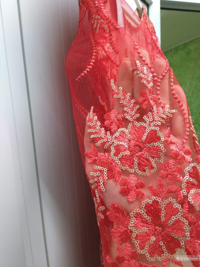 Платье особого случая . Размеры 44.46