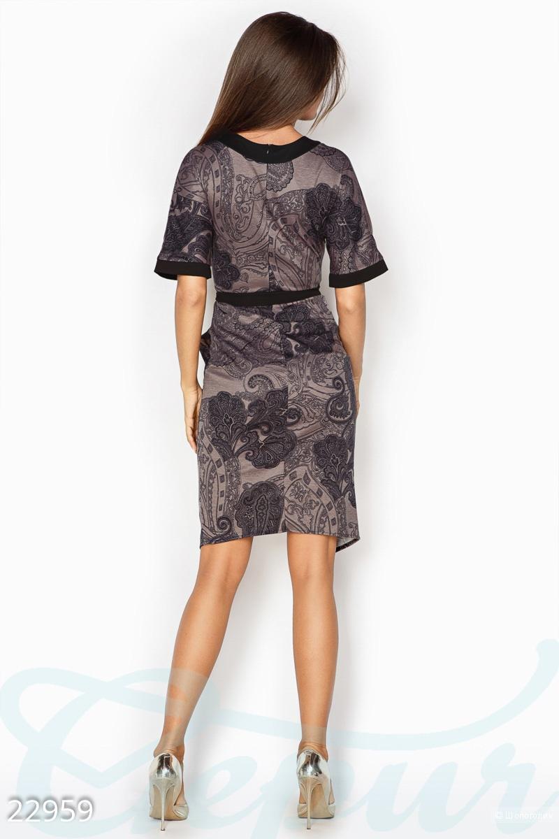 Аккуратное демисезонное платье . Размеры 42.44.46.48.50