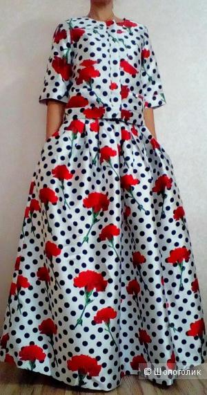 Костюм (жакет и юбка) Dolce&Gabbana 50 размер
