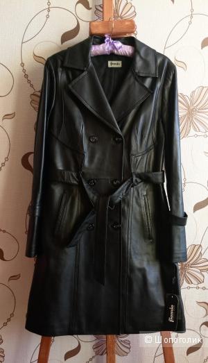 Пальто кожаное FioMio размер М - 46-48