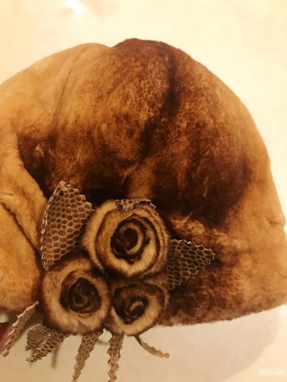 Шапка из мутона 56 размера