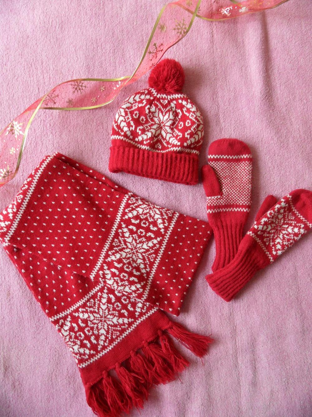 Шапка, шарф, варежки OSTIN
