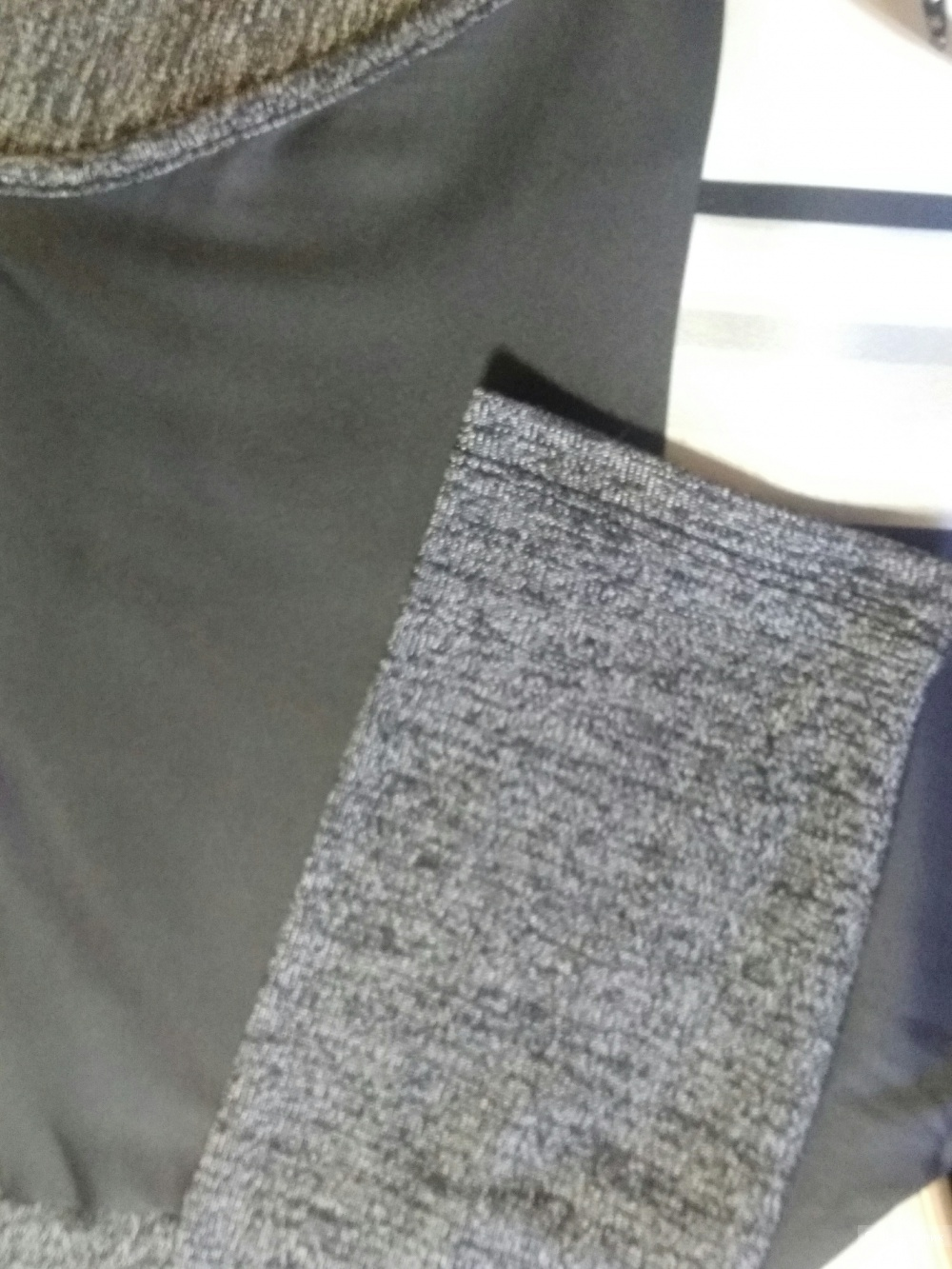 Кофточка от WHOLE FOLKS размера  42-44.