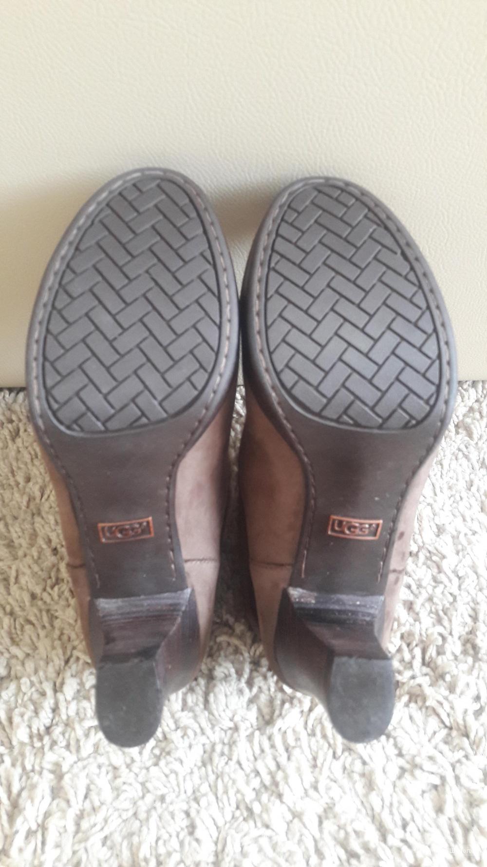 Ботинки UGG AUSTRALIA, размер 39(стелька 25см)