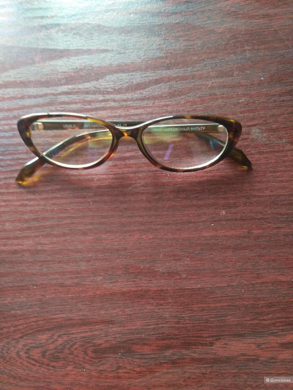 UNICLO солнцезащитные очки