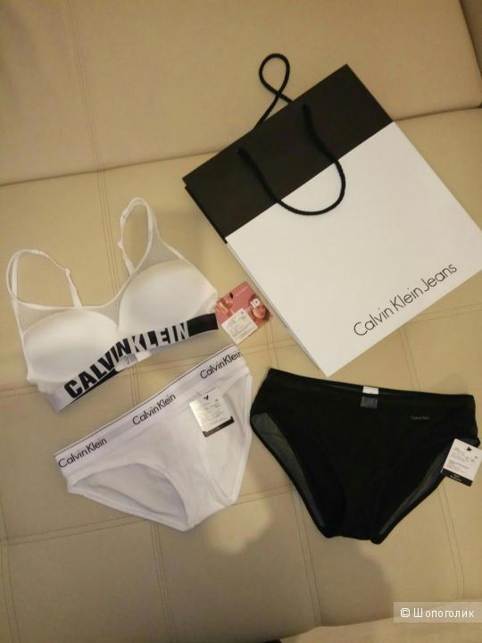Комплект белья Calvin Klein 42 размер
