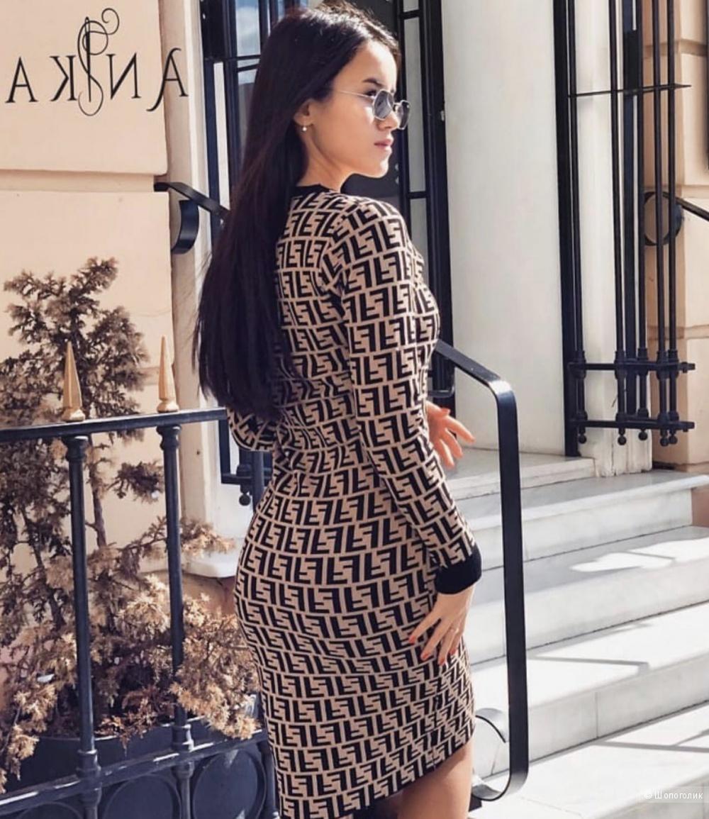 Платье трикотажное  FENDI, 42-46