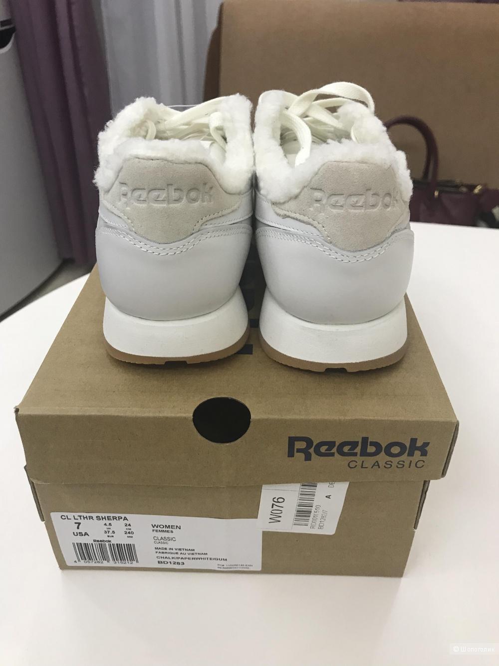 Кроссовки утеплённые Reebok Classic, 37.5 размер