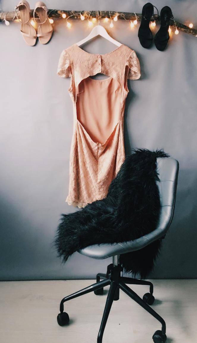 Платье вечернее Rare London, размер L