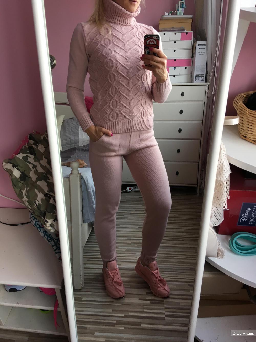 Шерстяной вязаный костюм, размер 40-44,  розовый