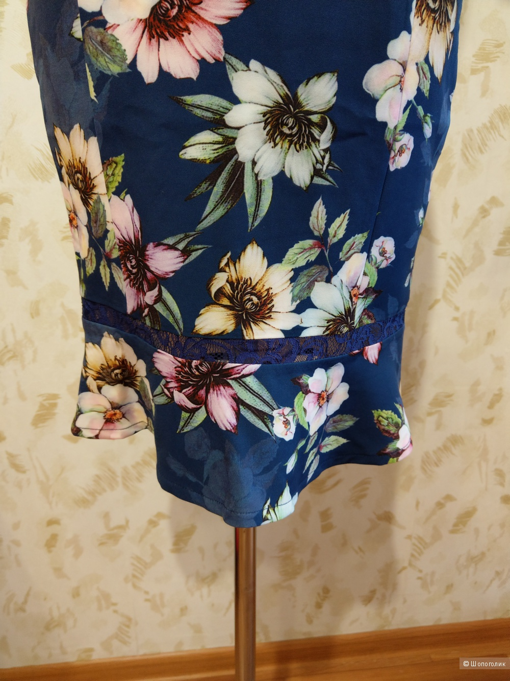 Платье  PAPER DOLLS р.40-42