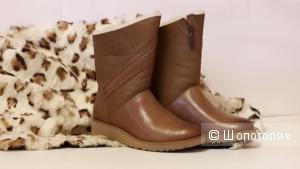Ботинки UGG AUSTRALIA 36-37 размер