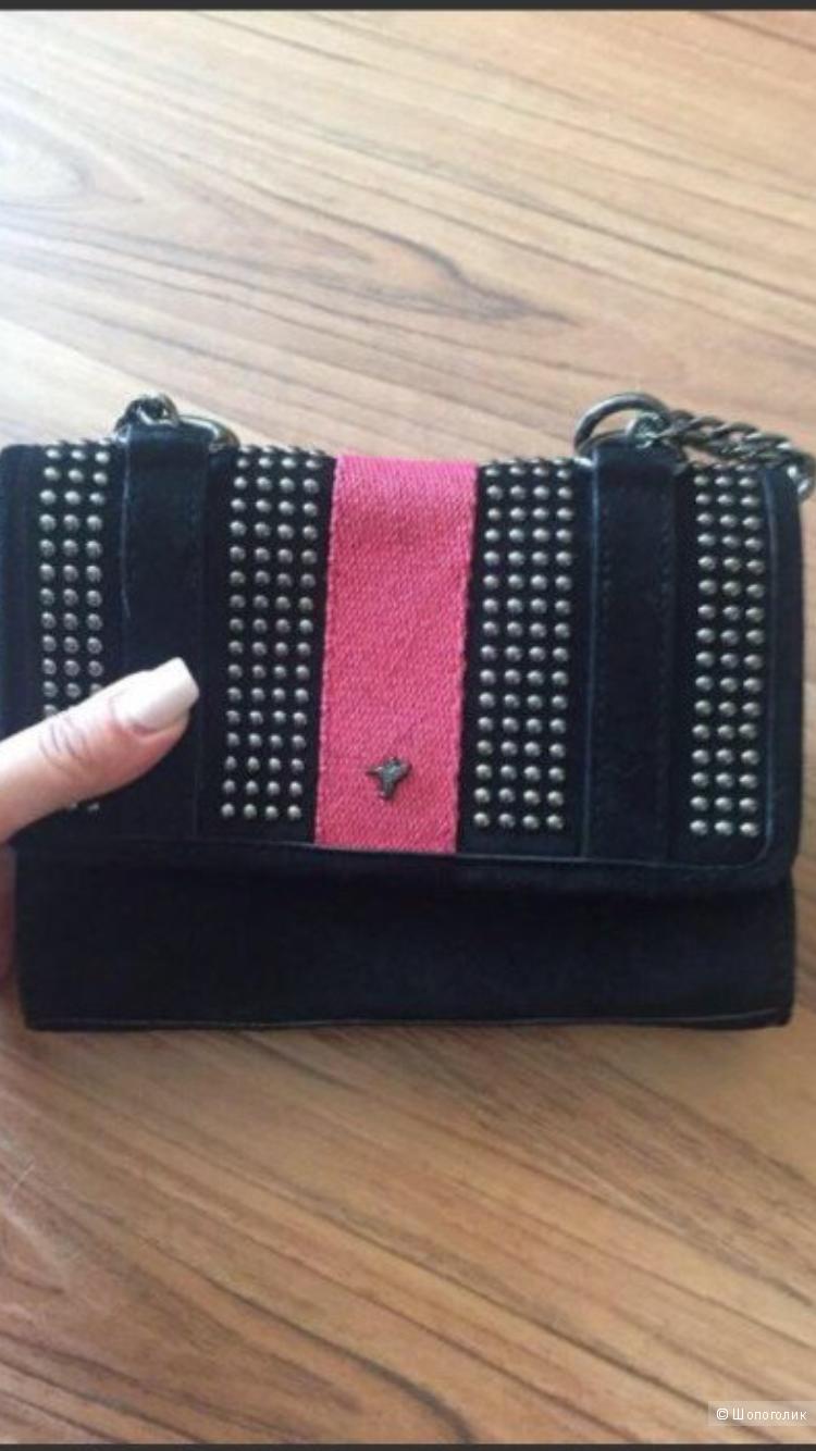0207e8dd7954 Сумка Zara. Маленькая замшевая сумочка известного испанского бренда.