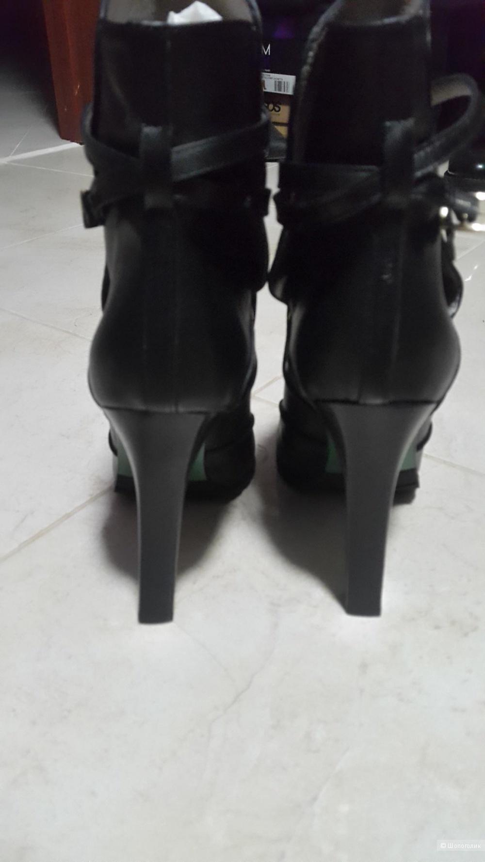 Ботинки Lisa for Donald j Pliner 8US