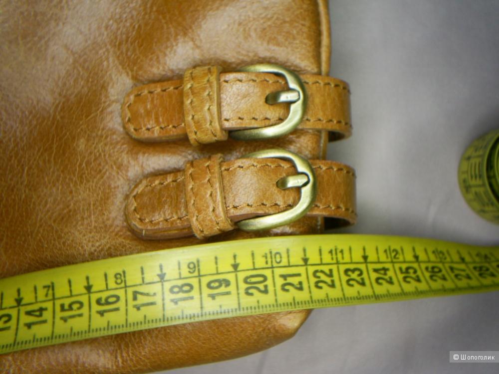 Сумка кроссбоди от  Clarks 21-22 см.