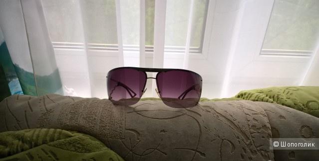 Солнцезащитные женские очки Emporio Armani