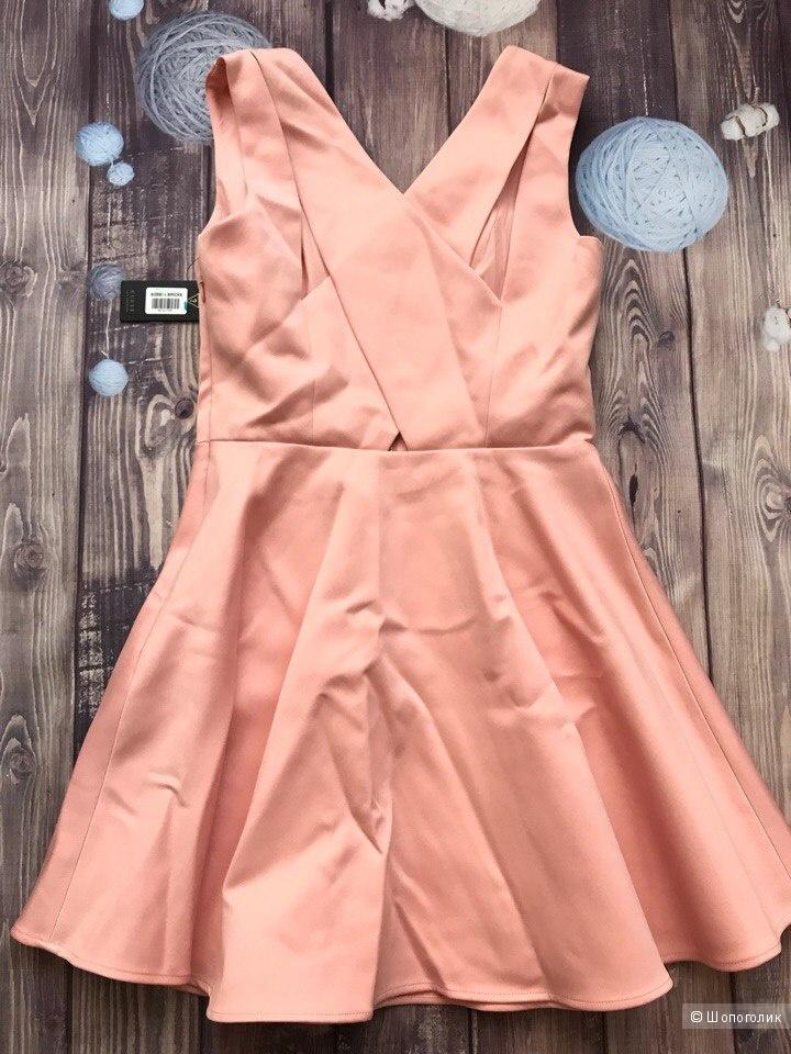 Платье от Guess М