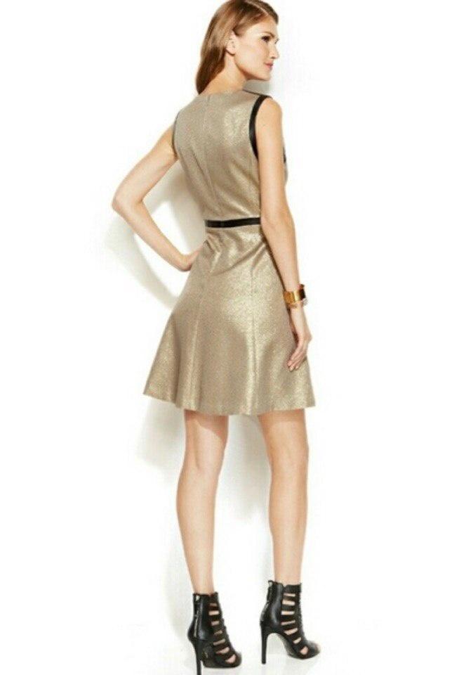 Платье от DKNY M/L