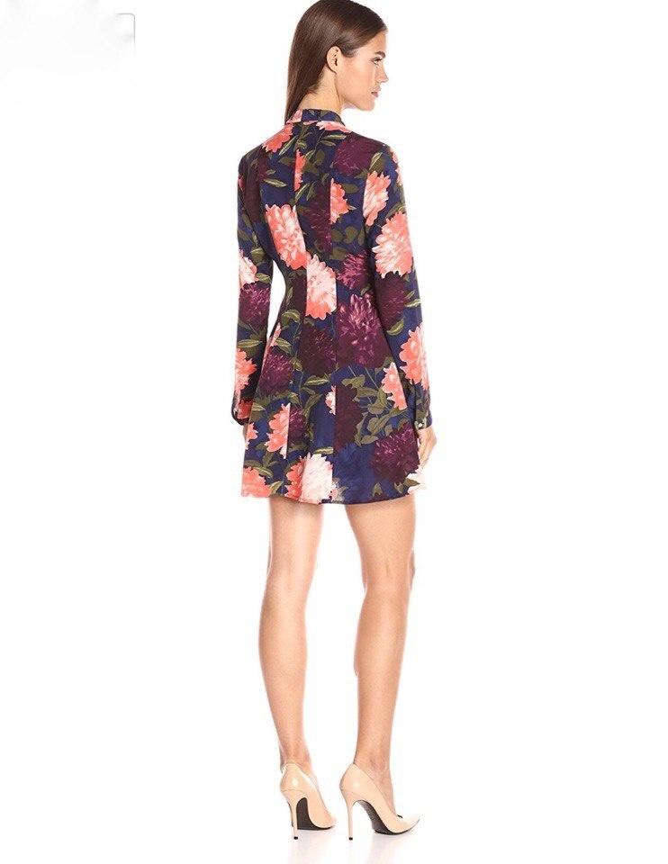 Платье от Guess M/L