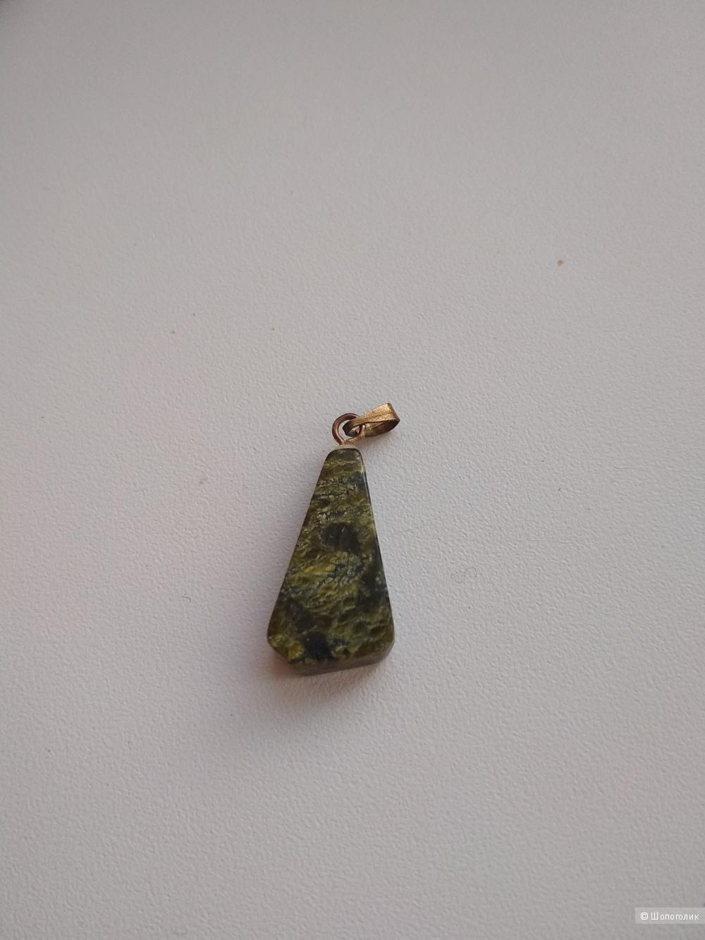 Малахитовая подвеска + 2 браслета из натур. камня