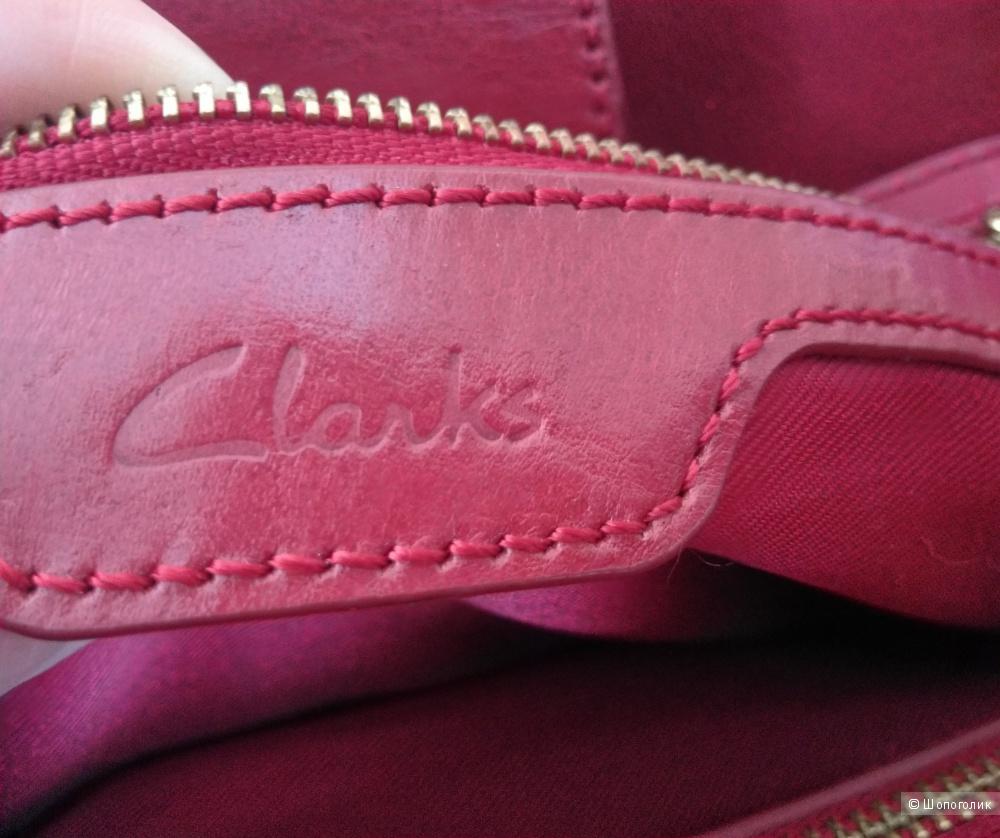 Сумка Clarks из кожи брусничного цвета