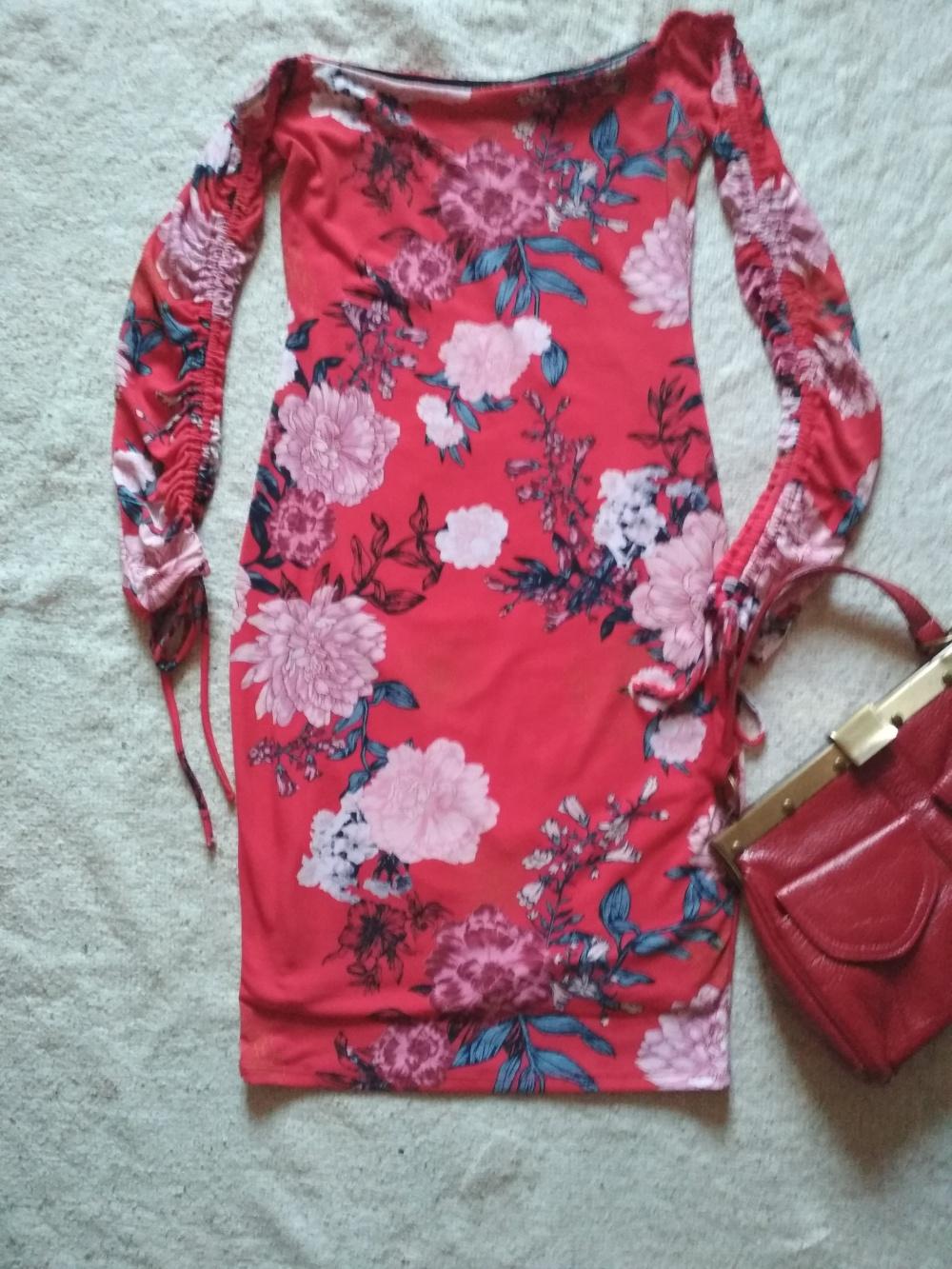 Платье Guess xs