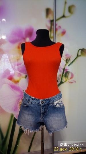 Боди  New  look и шорты Veromoda   размер  S.