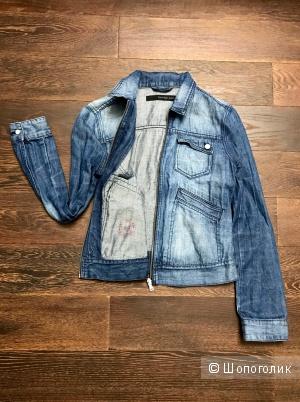 Джинсвая куртка Calvin Klein Jeans.  Размер S